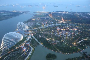 Pemandangan Garden by The Bay dari atas Marina Bay Sands